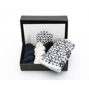 "Latvian Mittens DIY Knitting Kit ""Knit like a Latvian"" – Midnight Flakes 10"
