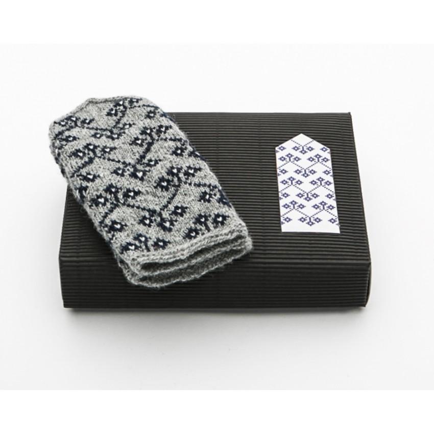 "Latvian Mittens DIY Knitting Kit ""Knit like a Latvian"" – Midnight Flakes 6"