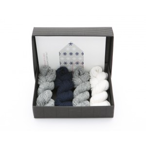 "Latvian Mittens DIY Knitting Kit ""Knit like a Latvian"" – Midnight Flakes 7"