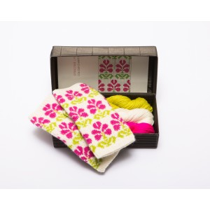 """Fingerless gloves DIY Knitting Kit """"Knit like a Latvian"""" – Springtime 9"""